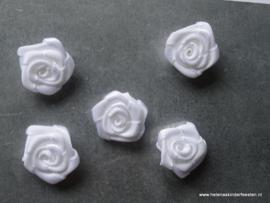 Satijnen roosje wit / 5 stk