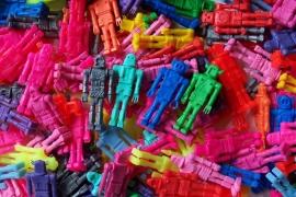 Mini retro plastic Robotjes