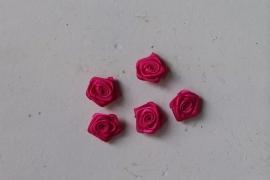Satijnen roosje fuchia / 5stk