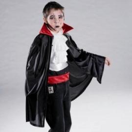 Dracula cape met rode kraag