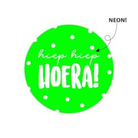Sticker sluitzegel hiep hiep hoera neon groen - 15stk