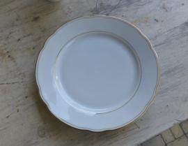 Oud porseleinen  eetservies wit met gouden rand