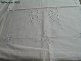 Antiek laken ca 1910 met schitterend borduurwerk no 51