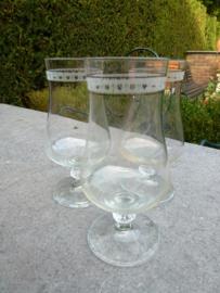 Antieke kristallen water - bierglazen