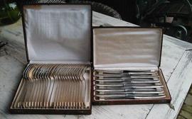 Antiek zwaar verzilverd Art Deco bestek no 923 in 2 cassetes
