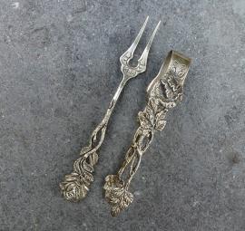 Antieke zwaar verzilverde suikerklontjestang + cakevork no 1