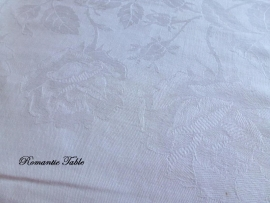Zeer oud damasten tafellaken met ingeweven rozen no 61  VERKOCHT