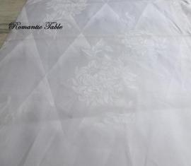 Oude zijdendamast stof voor tafellaken  240 x 135 cm