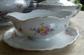 Oud porseleinen zeer uitgebreid eet en ontbijtservies  Epiag