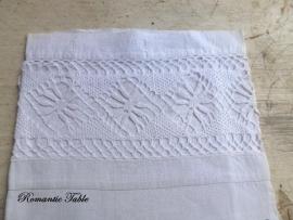 Atieke linnen dekenhoes met ingezette kant voor babybedje of wieg  no 4  VERKOCHT
