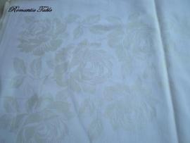 Vintage tafellaken met ingeweven rozen no 70