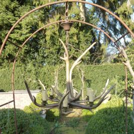 Oude lamp van hertengeweien no 2