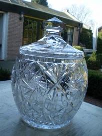 Antieke grote kristallen geslepen bowlpot hoog 35 cm diameter 25 cm