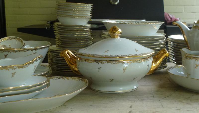 Oud Limoges eet en ontbijtservies wit met bladgoud