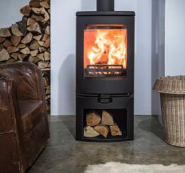 Charnwood ARC 7 mat zwart 3-9KW  op sokkel. (nominaal 7 KW)