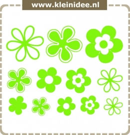 Stickerset 12 bloemen variërend van 10 naar 20cm