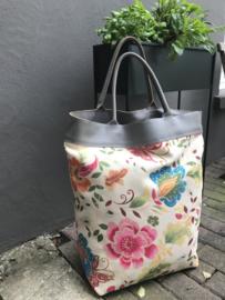 Shopper flower garden