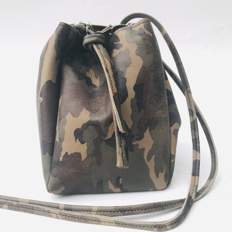 Dotje camouflage  vintage leer