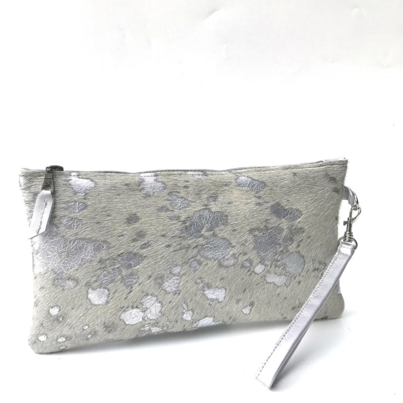 Clutch koeienvacht metallic print (M)