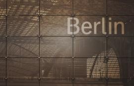 Dutch DigiWalls City Love Fotobehang Berlin CL01C