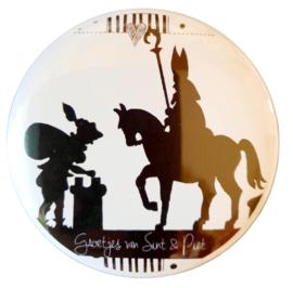 Magneet button 75mm met tekst ''Groetjes van Sint & Piet''.