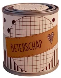 Blikje met tekst ''Beterschap'' blikje is  hoog 6,2 cm bij 6,2 cm met snoepjes