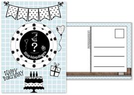 Verjaardagskaart blauw  met envelop , met button ? jaar.