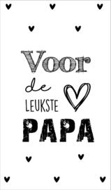 Kaartje met tekst ''Voor de leukste papa'' 5 bij 8.5 cm.