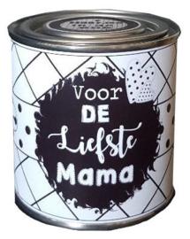 Blikje met tekst ''Voor de liefste mama'' hoog 6 cm doorsnee 6 cm. met hartjes.