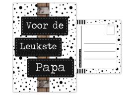 Kaart A6 met tekst ''voor de leukste papa.''. 10.5 bij 14.8
