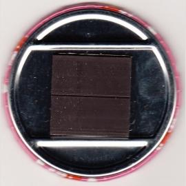 3.Button meisje magneet 5,5 cm doorsnee.