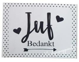 Sticker met tekst ''juf bedankt''. maat ongeveer 8 bij 6 cm.