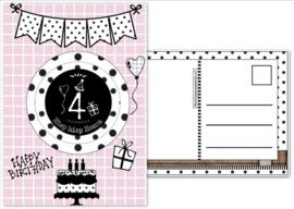 Verjaardagskaart roze met envelop , met button 4 jaar.