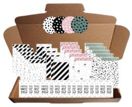 20 zakjes 12 bij 19 cm, 20 stickers 4 cm , 20 kleine kaartjes met tekst ''Kadootje van mij''