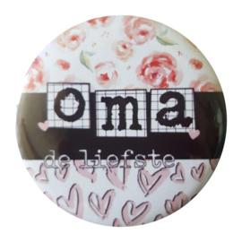 Button spiegel met tekst ''Oma'' 56mm.