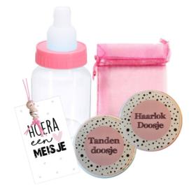 Setje haar/tanden doosje, klein kaartje, organza zakje, gelukspopje, flesje met snoepjes, roze.