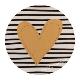 Sticker rond 4 cm met afbeelding bruin hartje.