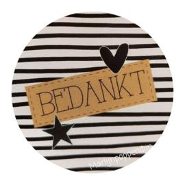 Sticker rond 4 cm met tekst '' Bedankt''.