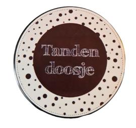 Tandendoosje zwart/wit 5 cm doorsnee 2cm hoog.
