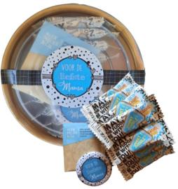 Mama setje met 10 kleine reepjes caramel zakje thee en een spiegeltje met tekst ''voor de liefste mama''
