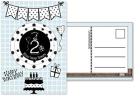 Verjaardagskaart blauw  met envelop, met button 2 jaar.