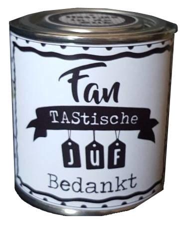 Blikje met tekst ''Fantastische juf bedankt'' 7,3 bij 7,7 cm met hartjes.