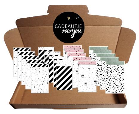 20 zakjes in 4 verschillende soorten en 20 sticker  met de tekst ''Cadeautje voor jou''