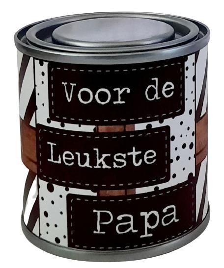 Blikje met tekst ''Voor de leukste papa'' hoog 6,2 cm doorsnee 6,2 cm. met hartjes.