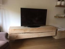 massief eiken TV-meubel zwevend