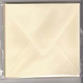 50 vierkante enveloppen 14x14 creme