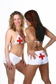Setje met rood kruis