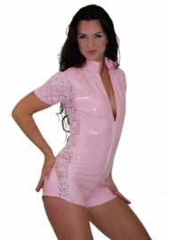 Lak catsuit met kant in roze