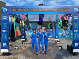 Blauwe lycra catsuits drive true