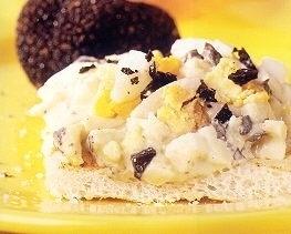 Salade met Truffelmayonaise, ei en stukjes truffel